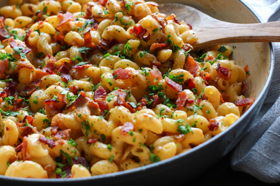 Caramelized Onion and Bacon Mac and Cheese
